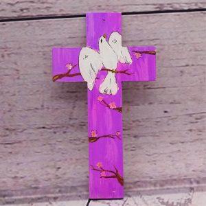 Kreuz mit Friedenstaube handbemalt